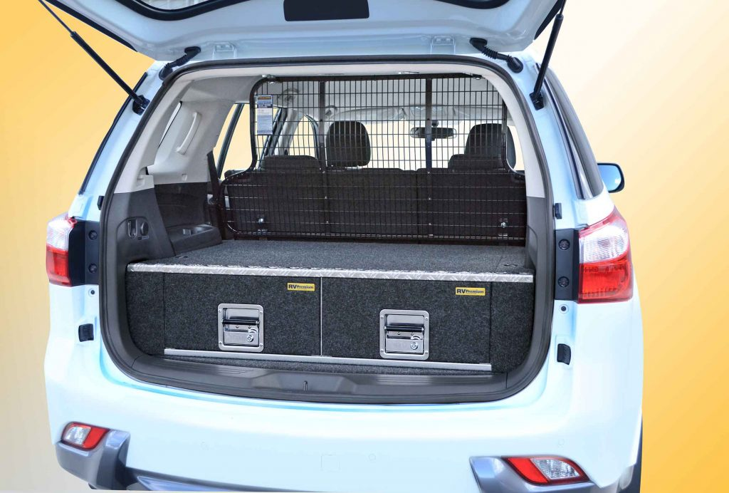 mu-x cargo barrier and twin drawers comp