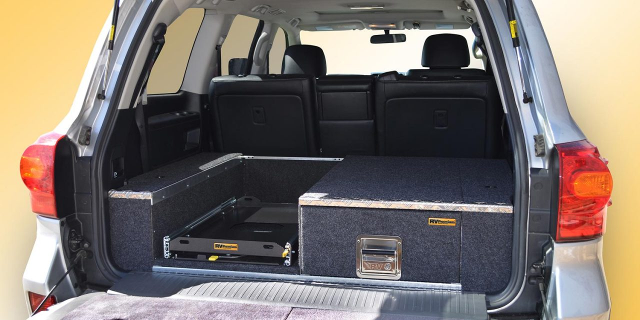 200 Series Landcruiser VX fitted with L1000 EAC-1L drawer and FS-1 fridge slide.