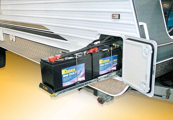 battery-slide-caravan-012